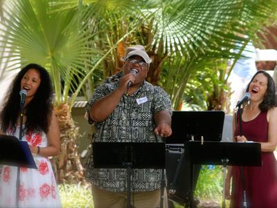 Caroline, Raymond & Dale on Vocals