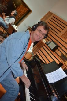 Richard Huebner on keyboard